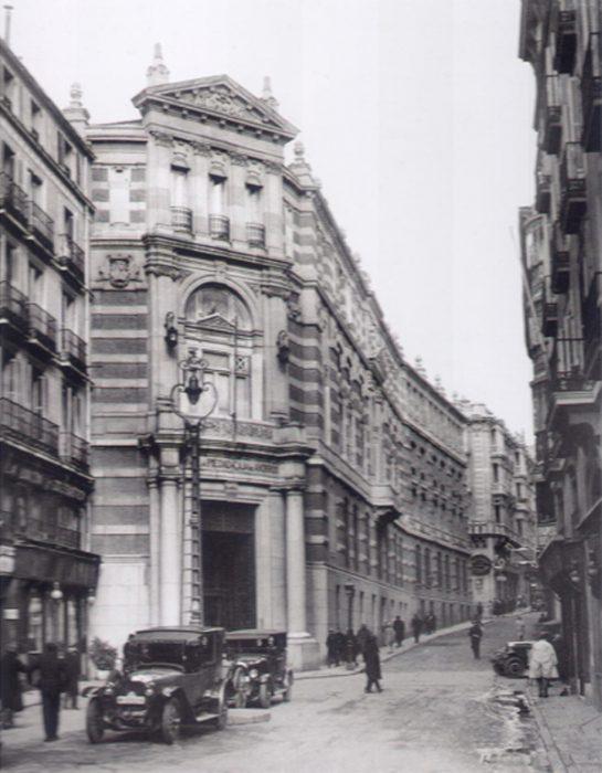 Monte de Piedad-Caja de Ahorros-Biblioteca Nacional-Madrid antiguo
